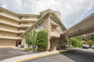 Twin Mountain Inn & Suites in Pigeon Forge